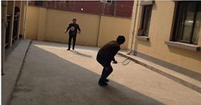 公司组织羽毛球比赛